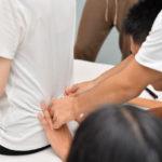 酷い腰痛、ギックリ腰には脊柱起立筋の裏側と腸骨稜の裏側